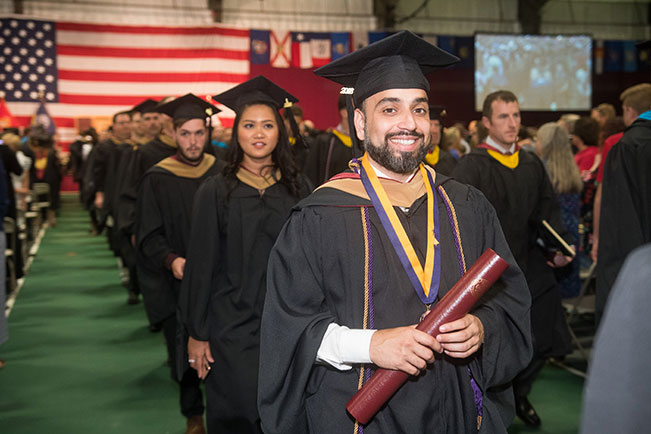 graduating-students-at-2018-commencement